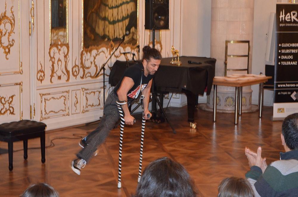 Tänzer Dergin Tokmak
